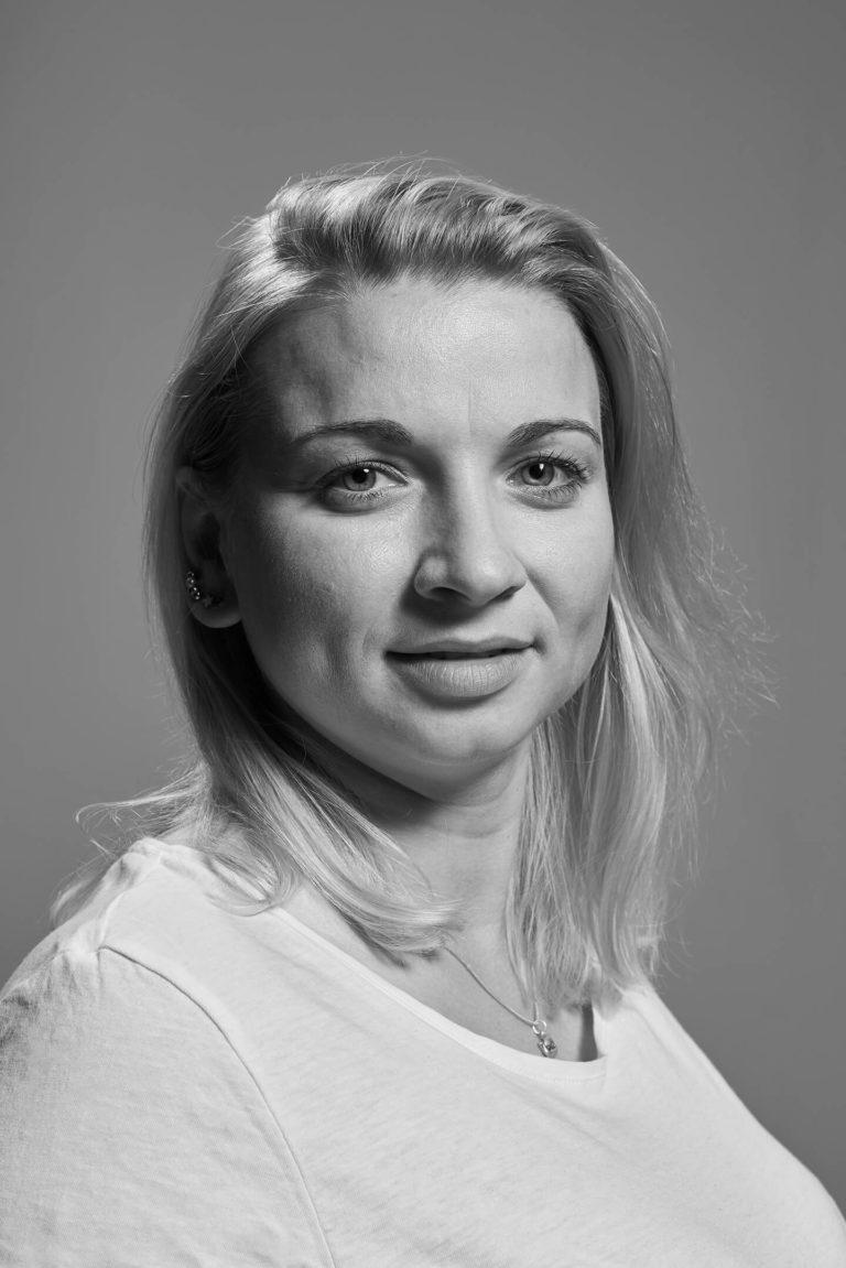 Monika Płusa zdjęcia biznesowe zdjęcia korporacyjne sesje wizerunkowe